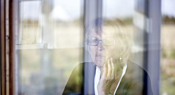 Flere kommuner sætter fokus på ensomhed blandt ældre