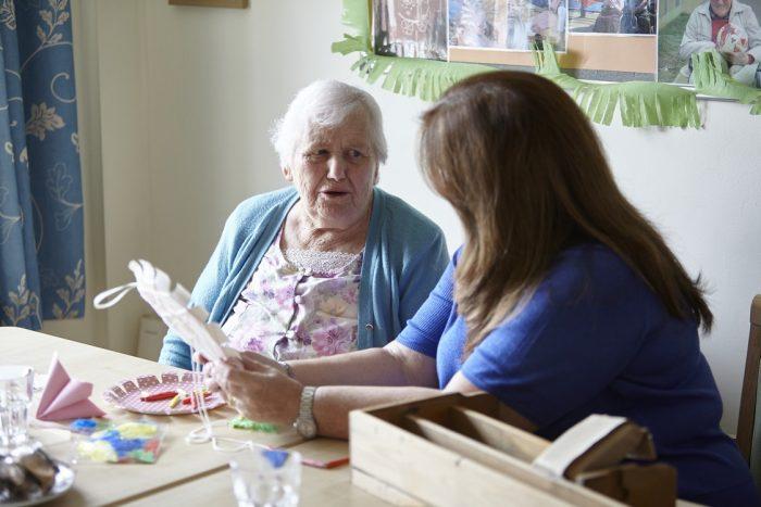 Ældre Sagen er bekymrede for reducering af tilsyn på plejehjem