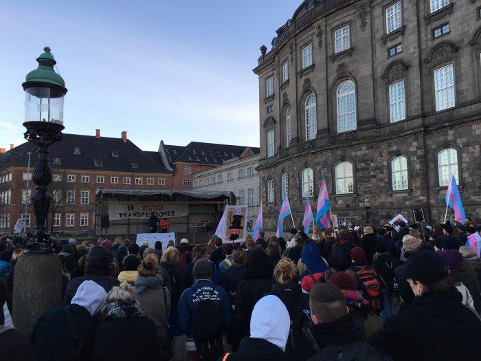 Demonstration: Transpersoner vil ud af psykiatrien