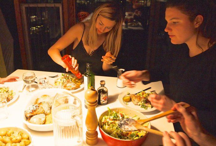 Fællesspisning blandt unge sætter mere varieret kost på bordet