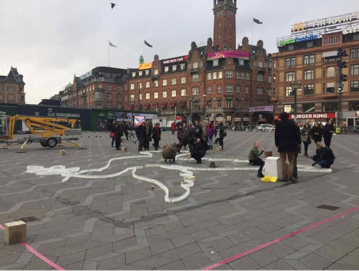 Danske og svenske unge udstiller på Københavns Rådhus