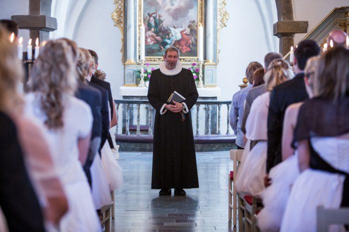 Flere ansøger om økonomisk hjælp til konfirmationen