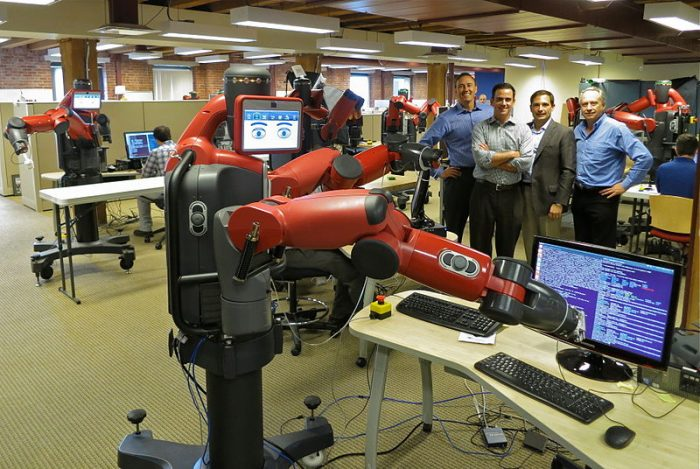 Robotter vil både overtage og skabe nye jobs