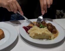 TV: IKEA vil have kødbollerne tættere på danskerne