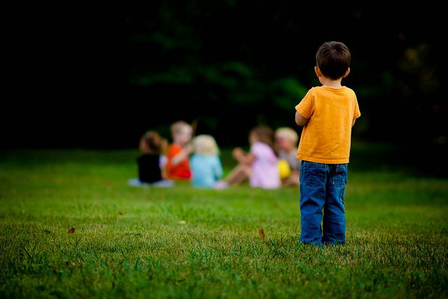 Fattige børn er ensomme