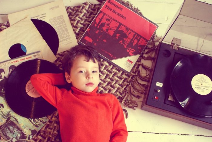 Vinylpusher om unges stigende LP-passion: »Det er sådan noget, der gør mig lykkelig! «