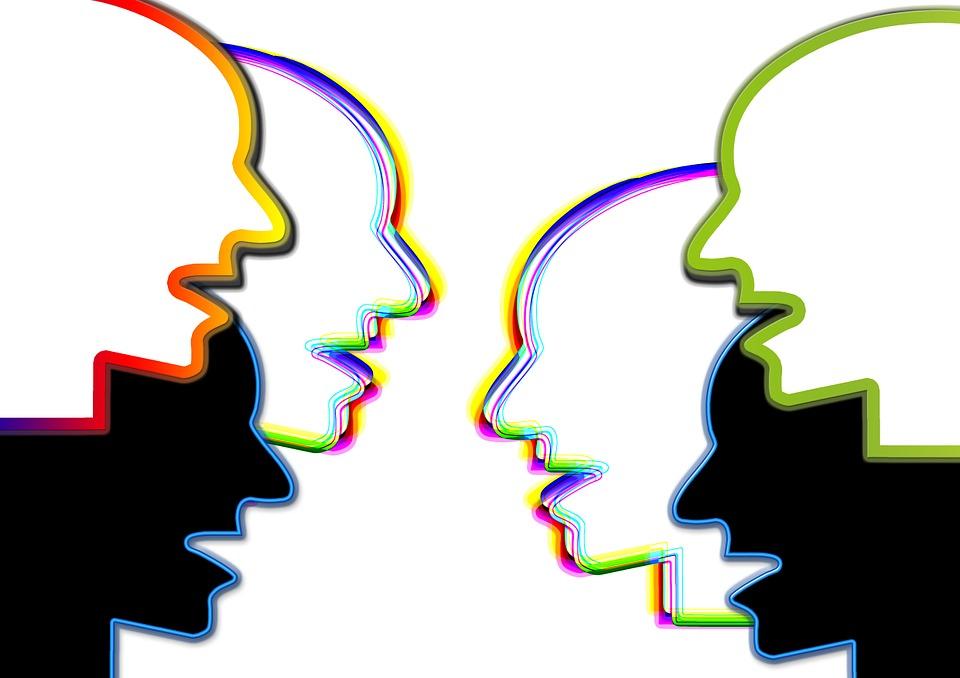exchange-of-ideas-222786_960_720 (1)