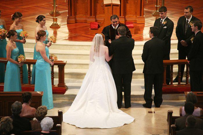 Færre bliver gift inden de får børn: Kan få alvorlige konsekvenser