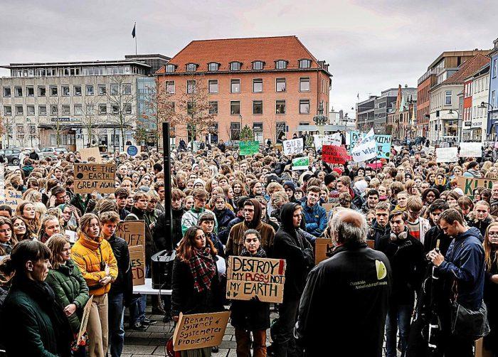 """Facebookopslag om Skolestrejke For Klimaet skaber debat: """"Det er nedladende og provokerende"""""""