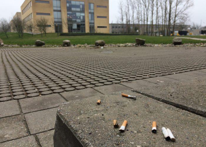 Studerende: »De mange cigaretskodder på campus sender et forkert signal«