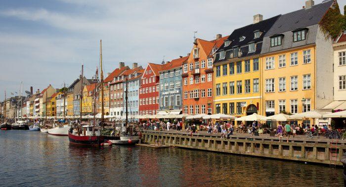 Danmark har knækket lykke-paradokset