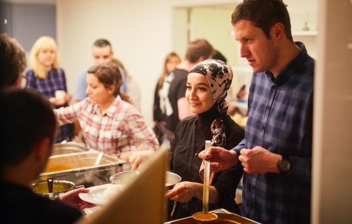 Forbrugerekspert: »Folkekøkkener skaber fællesskaber, hvor de ikke selv opstår«