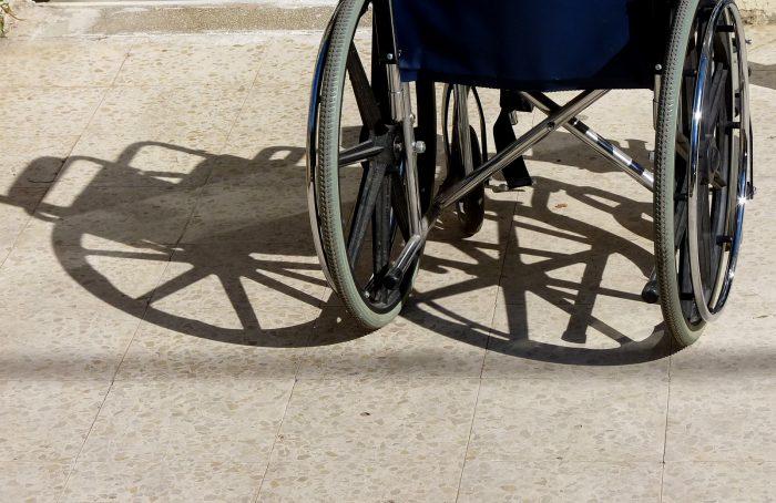 96-årig får kun én handicapkørsel om ugen: »Det er selvmodsigende«