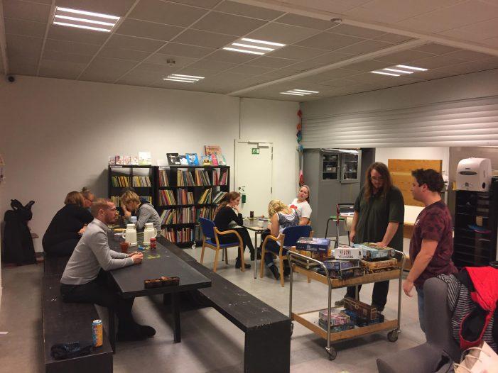 Radio: Bibliotekar-Hans redder 100 skrottede brætspil