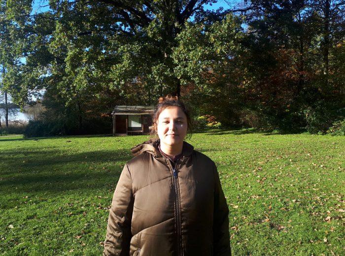 19-årig behandler sin klimaangst med grønt højskoleophold