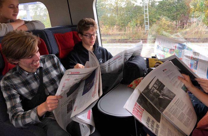 Gymnasieelever på studietur: Nu tager de toget og betaler klimaaflad