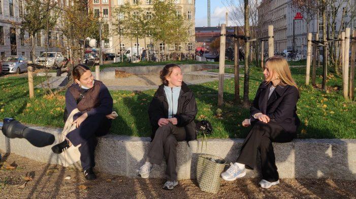 RADIO: Psykiater: Unge skal mødes, selvom der er corona