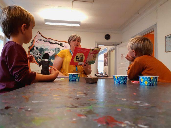 Kulturhus for børn: Mormor, Herbert og Holger læser om numser