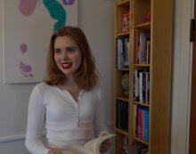 TV: 20 år og forfatter til fem ungdomsromaner: Sofie er i øjenhøjde med sine læsere
