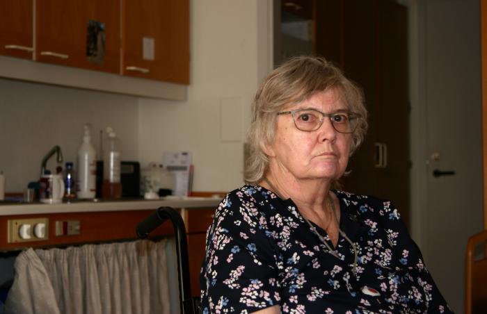 """Jette på 80 år bor på plejehjem: """"Bare de kommer og besøger mig"""""""