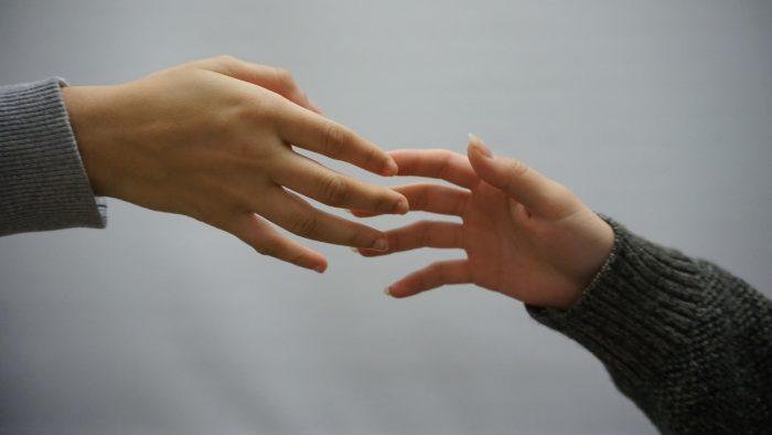 Hjælpelinjer: Unge, der i forvejen mistrives, har fået det værre under corona