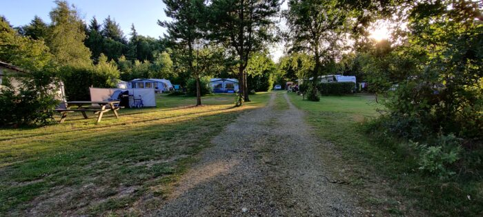 Forsamlingsforbud og krav om mundbind: Hillerød Camping holder corona på afstand